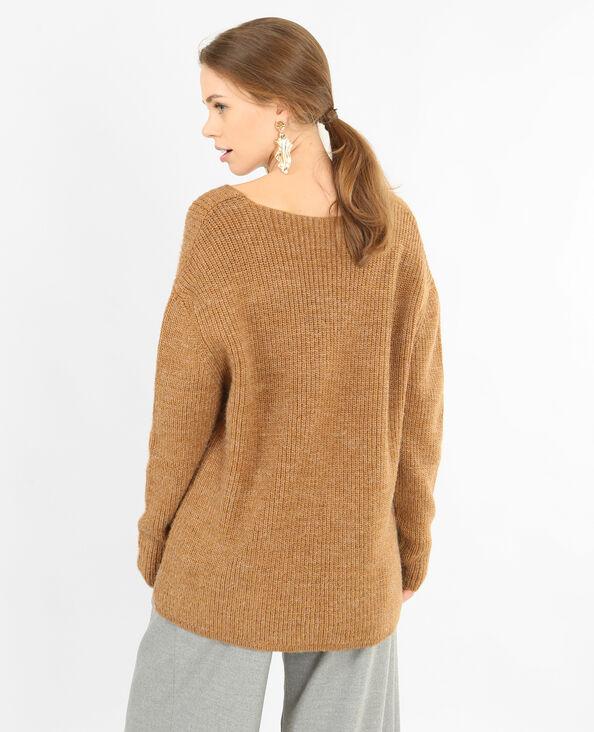 Pull in maglia calda. cammello