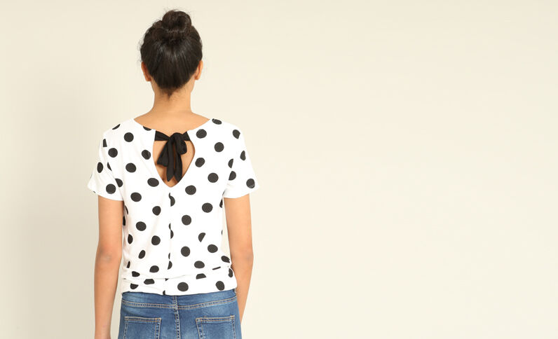 T-shirt a pois bianco