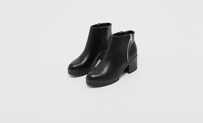 Boots suola tacchettata nero