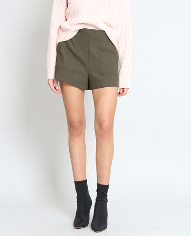 Short con zip kaki