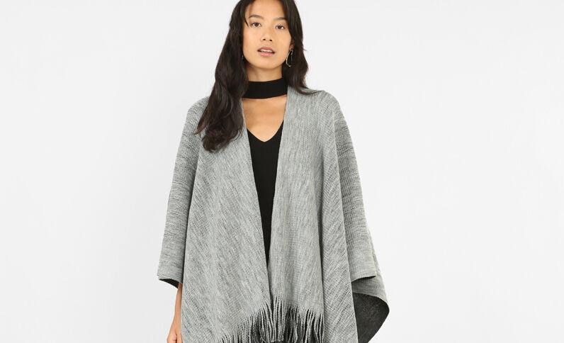 Poncho con frange grigio antracite