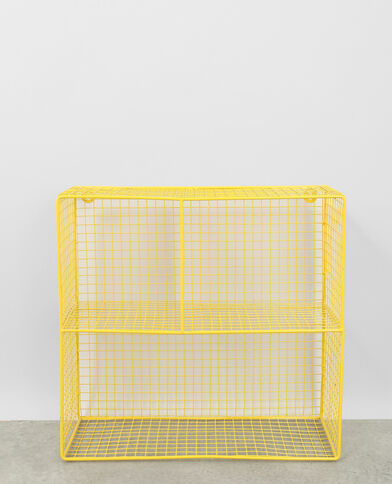 Grande scaffale metallico giallo fluo