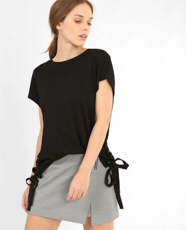 T-shirt con lacci nero