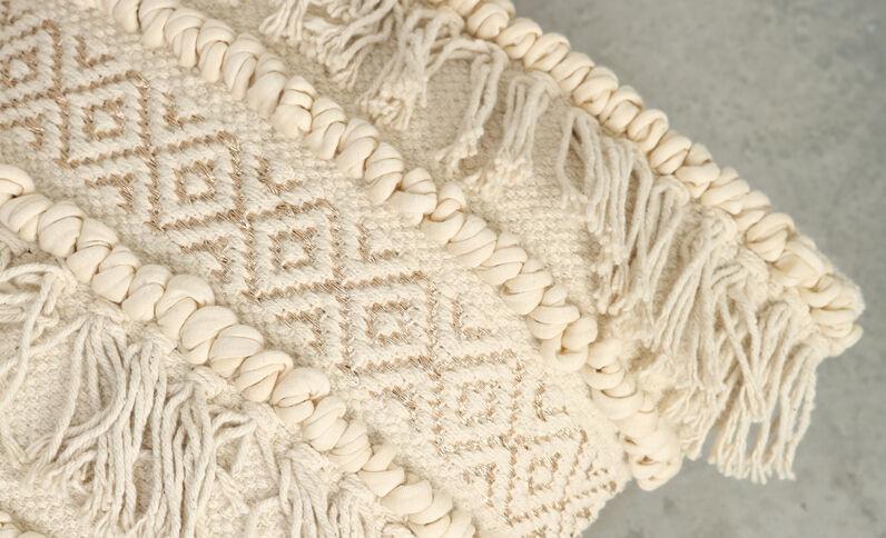 Federa per cuscino ricamo dorato e frange bianco sporco
