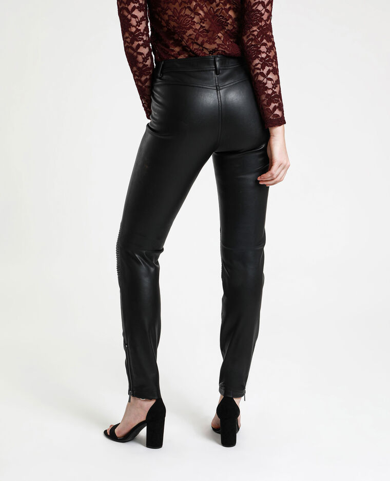 Pantalone in finta pelle. nero