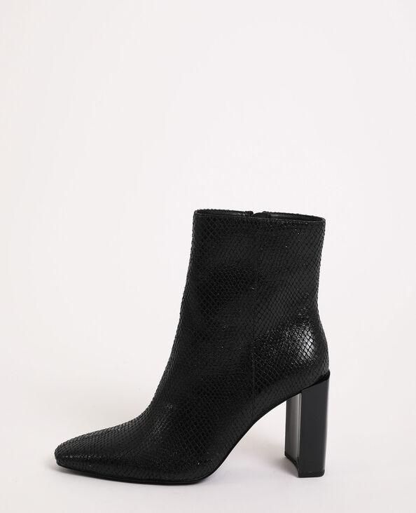 Stivali con tacco nero