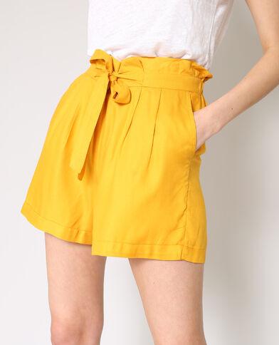 Short morbido giallo