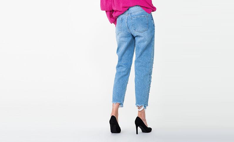 Jeans mom con blu denim