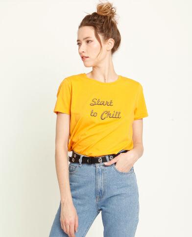 T-shirt con messaggio giallo