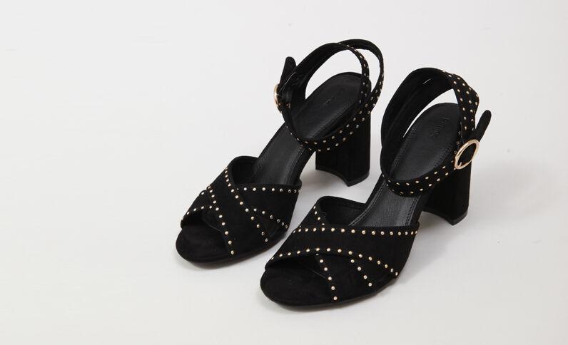 Sandali con borchie nero