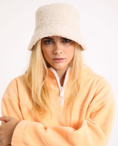 Cappello bob effetto montone bianco