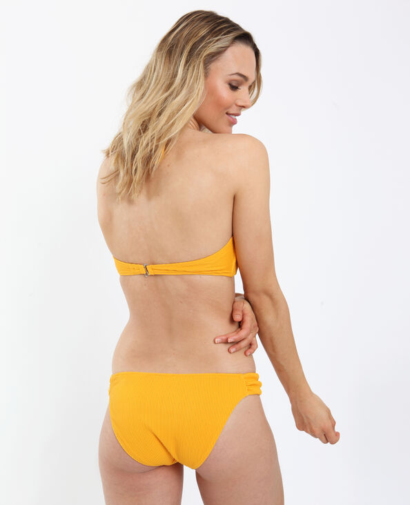 Pezzo sotto di bikini con texture giallo