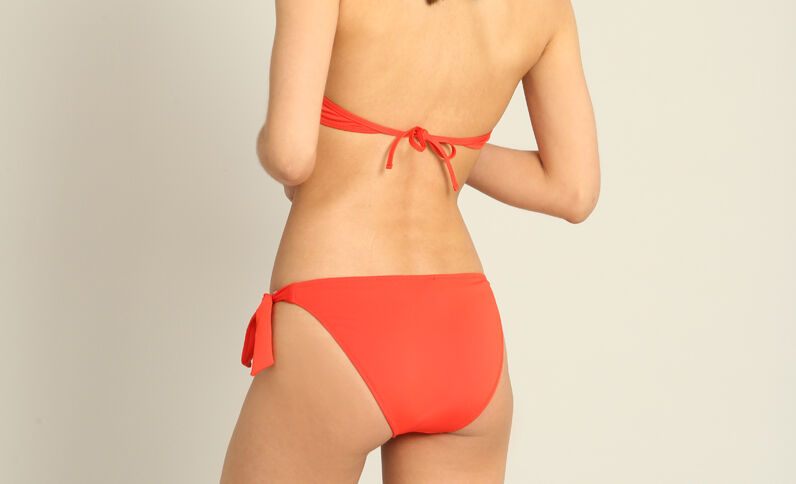 Pezzo sotto di bikini tinta unita rosso