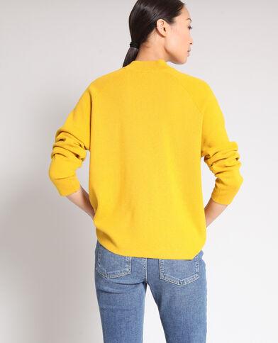 Pull con collo alto giallo
