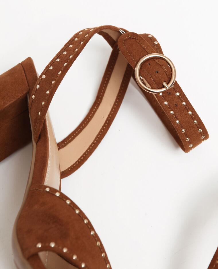 Sandali con borchie marrone