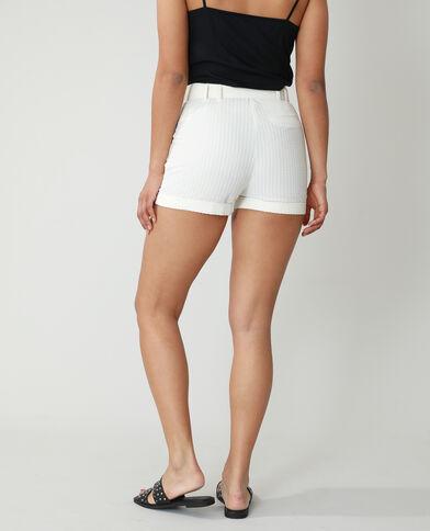 Short con texture e cintura bianco sporco - Pimkie