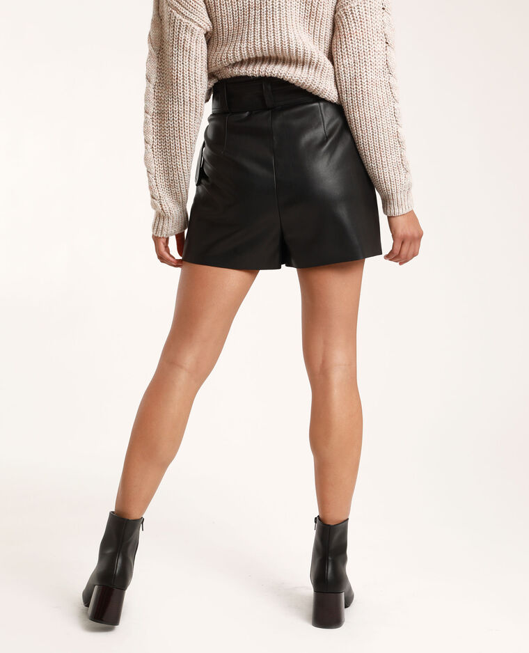Short in finta pelle nero