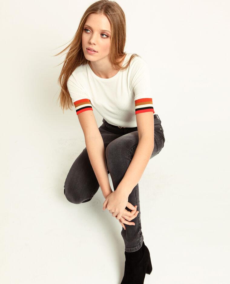 T-shirt con maniche colorate bianco sporco
