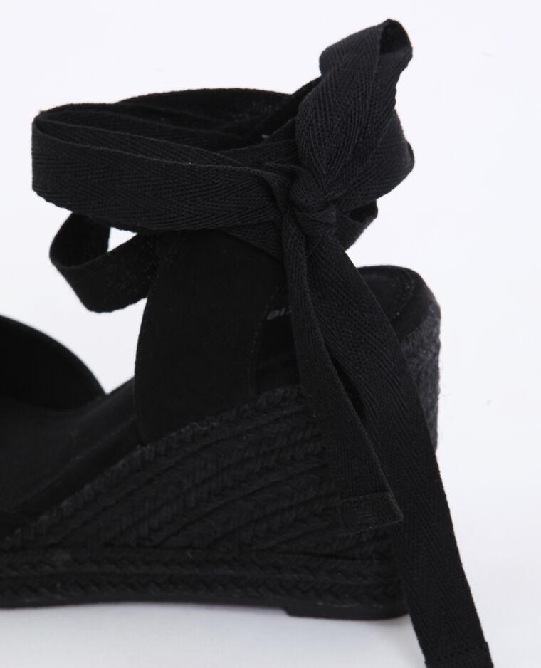 Sandali con la zeppa in paglia nero