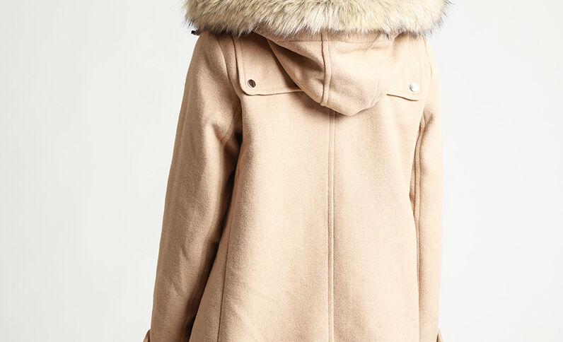 Cappotto con cappuccio caramello