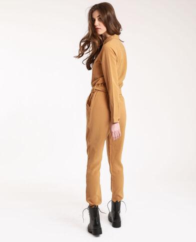 Abito pantalone con tasche cammello