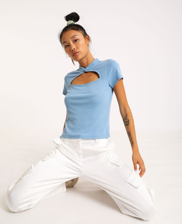 T-shirt aperta sul davanti blu