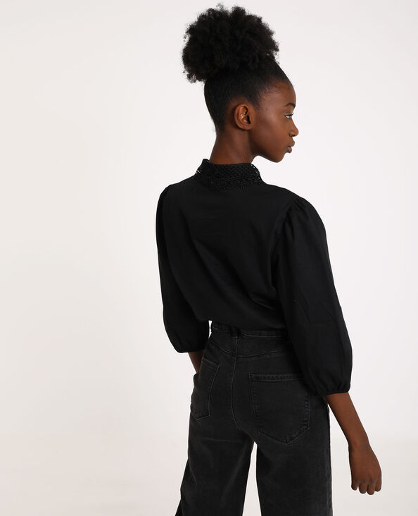Camicia con collo ricamato nero