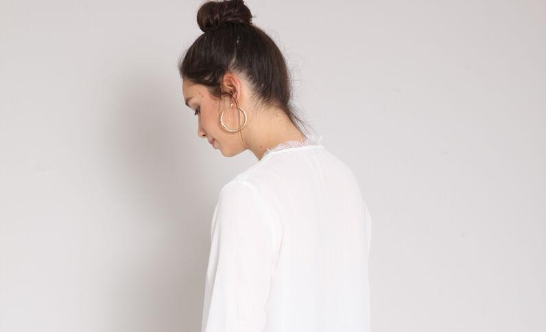 Camicia con collo a V bianco