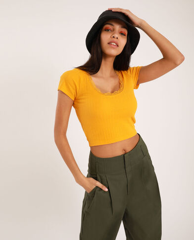 T-shirt cropped in pizzo giallo
