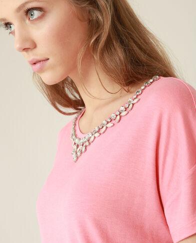 Top con gioielli rosa
