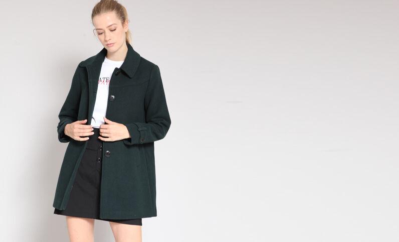 Cappotto di media lunghezza. verde