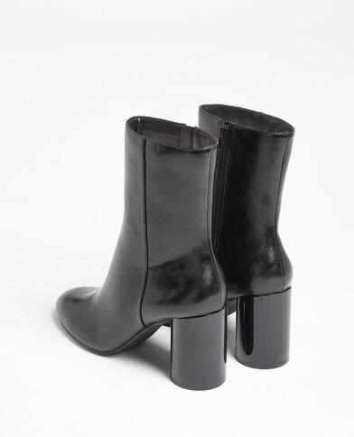 Stivali con tacco rotondo nero