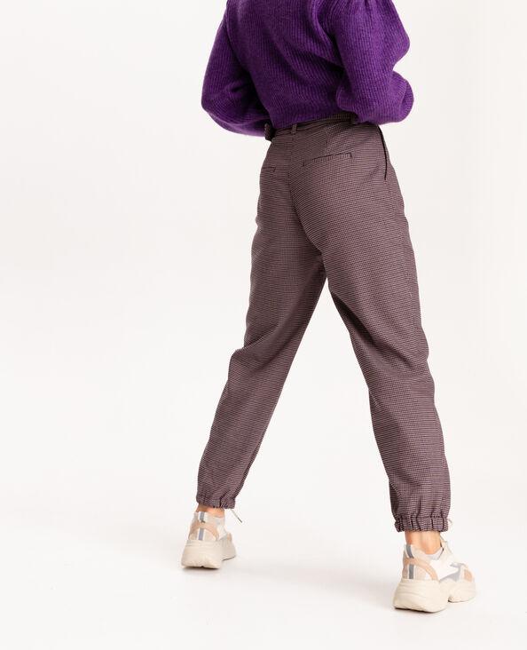 Pantalone stretto al fondo marrone