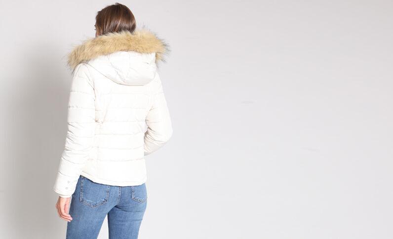 Piumino in pelliccia ecologica beige