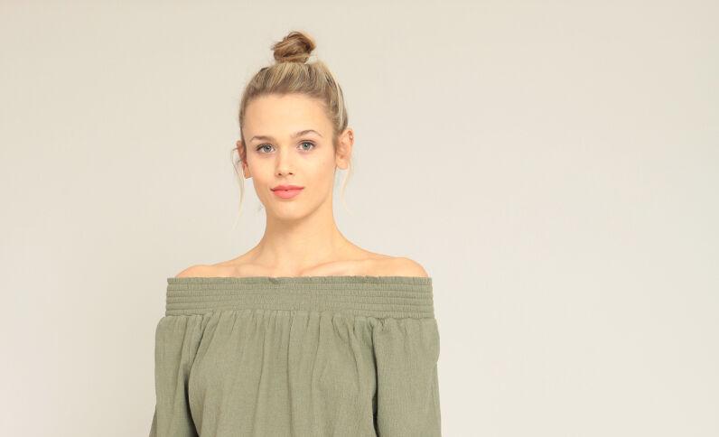 Blusa con collo bardot verde
