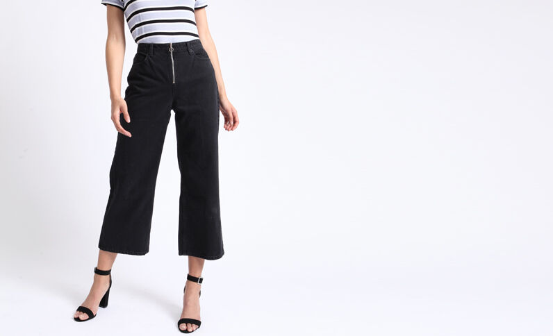 Jeans con gambe larghe nero