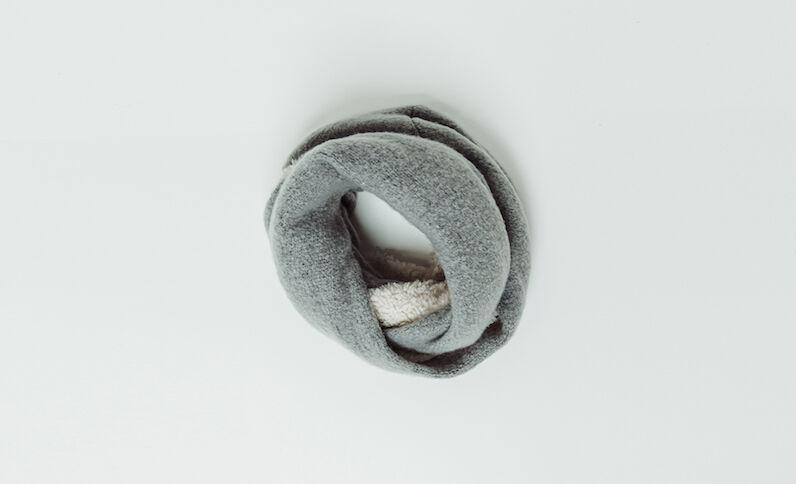 Snood in pelliccia ecologica grigio perla