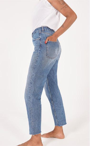 Jeans dritto a vita alta