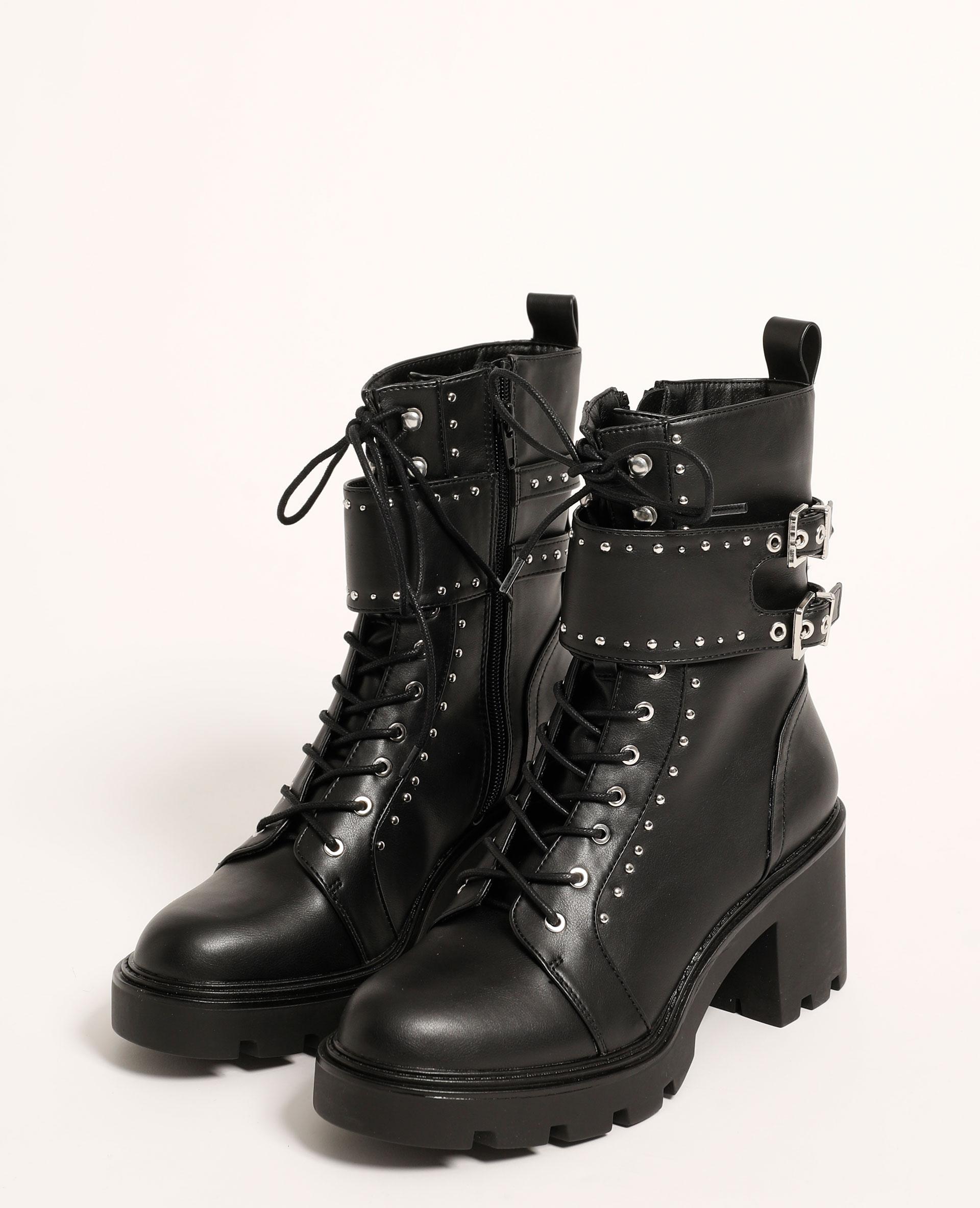 Stivali con tacco e borchie nero - Pimkie