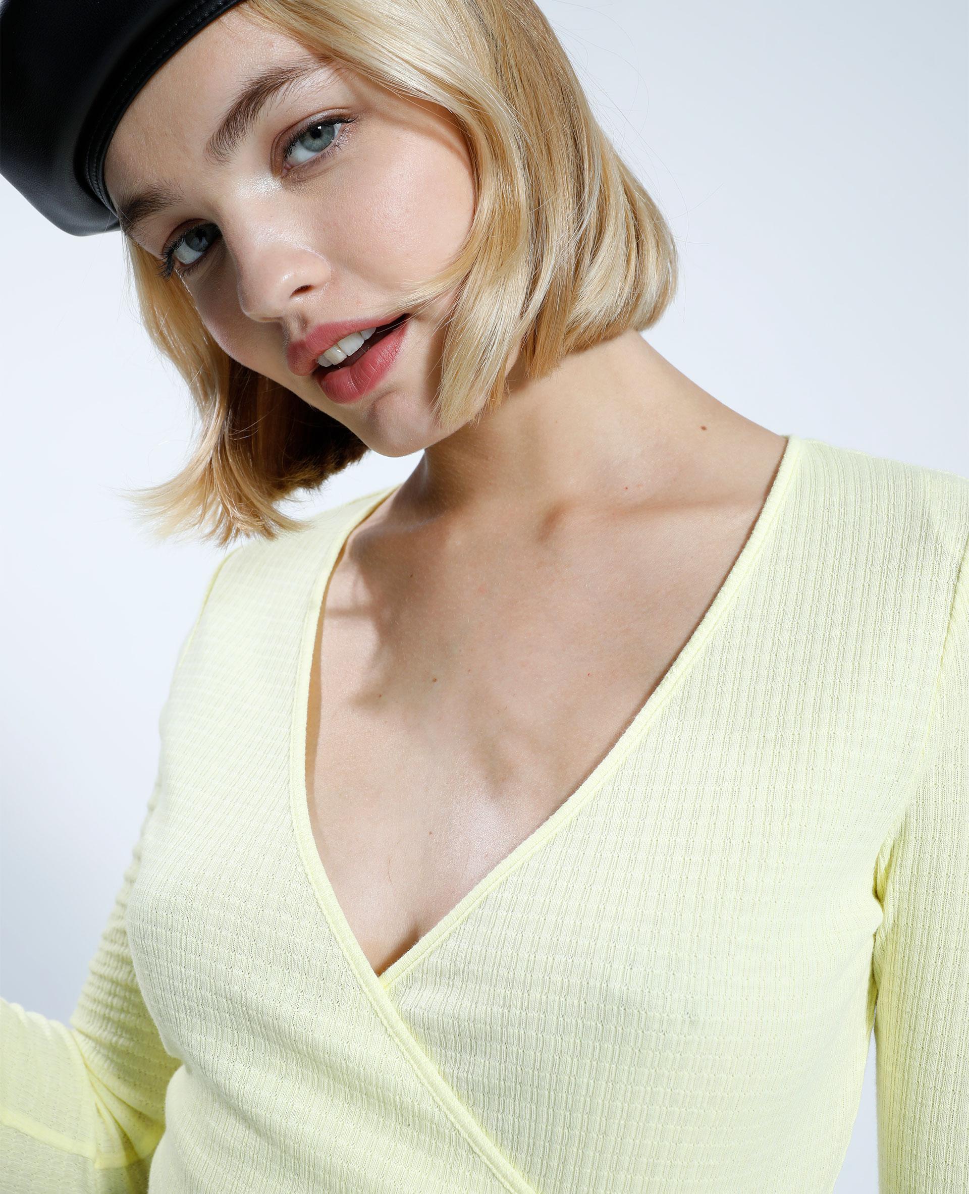 T-shirt incrociata giallo - Pimkie