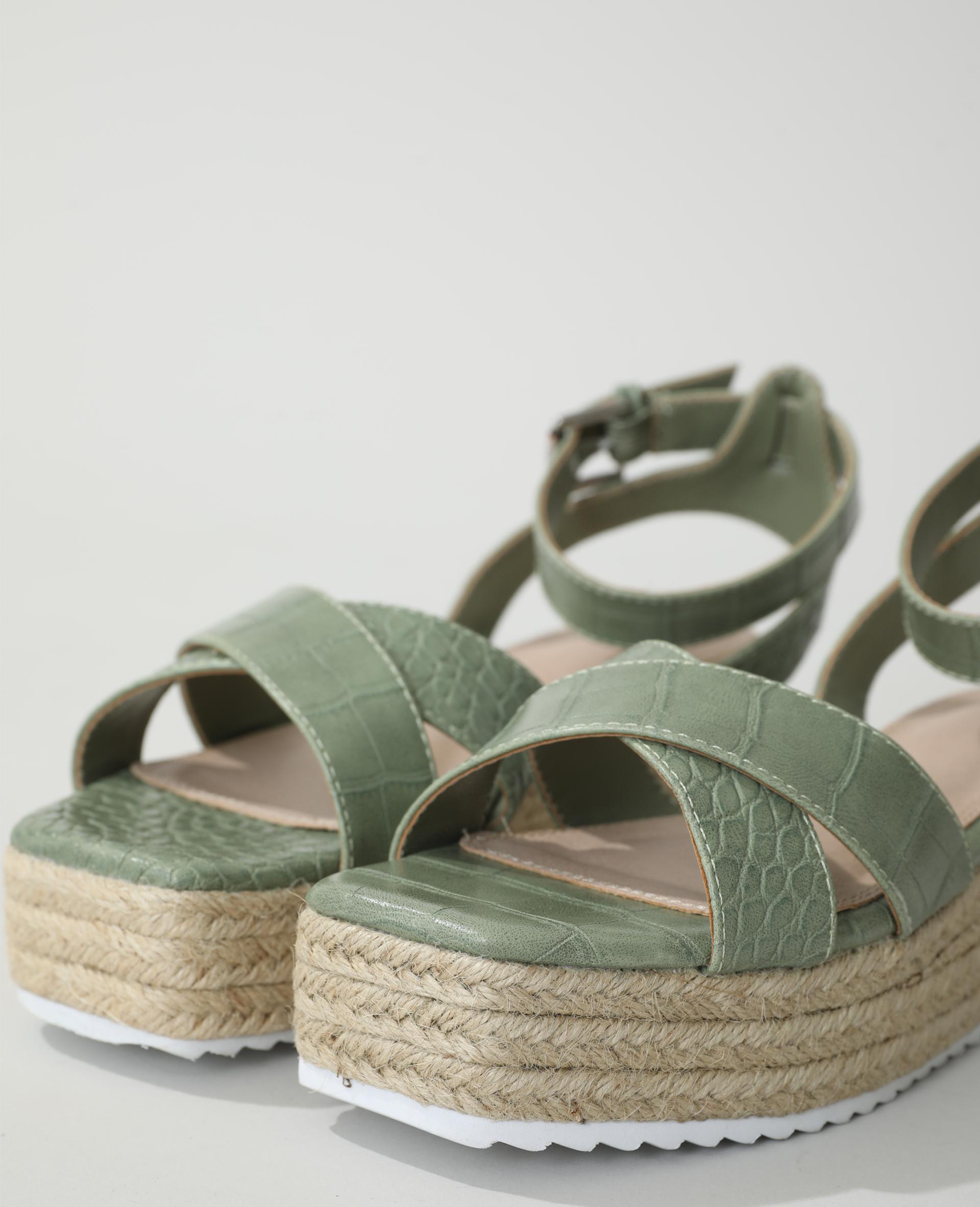 Sandali con zeppa coccodrillo kaki - Pimkie